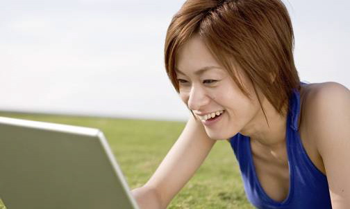asian_girl_on_computer-1